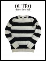 OUTRO-feer de seal- Feather Yarn Knit WHTBLK